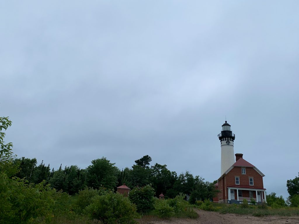best places to visit in upper peninsula michigan: munising lighthouse