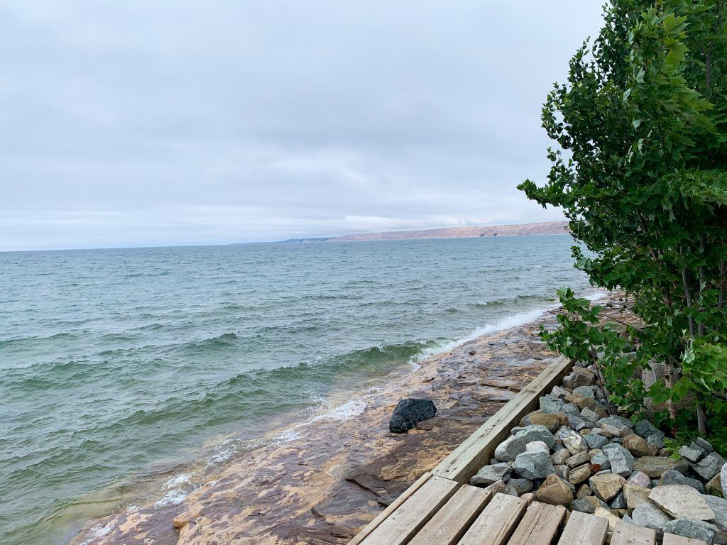 best places to visit in upper peninsula michigan: munising hiking along lake superior