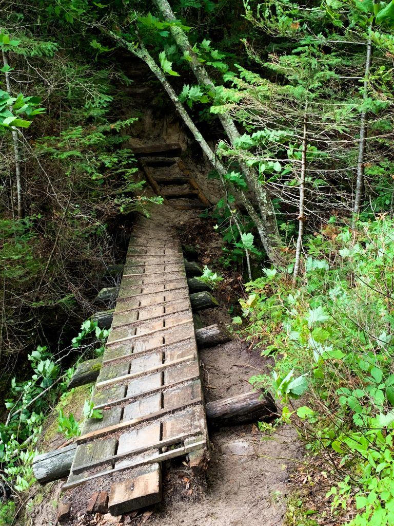 best places to visit in upper peninsula michigan: munising hiking