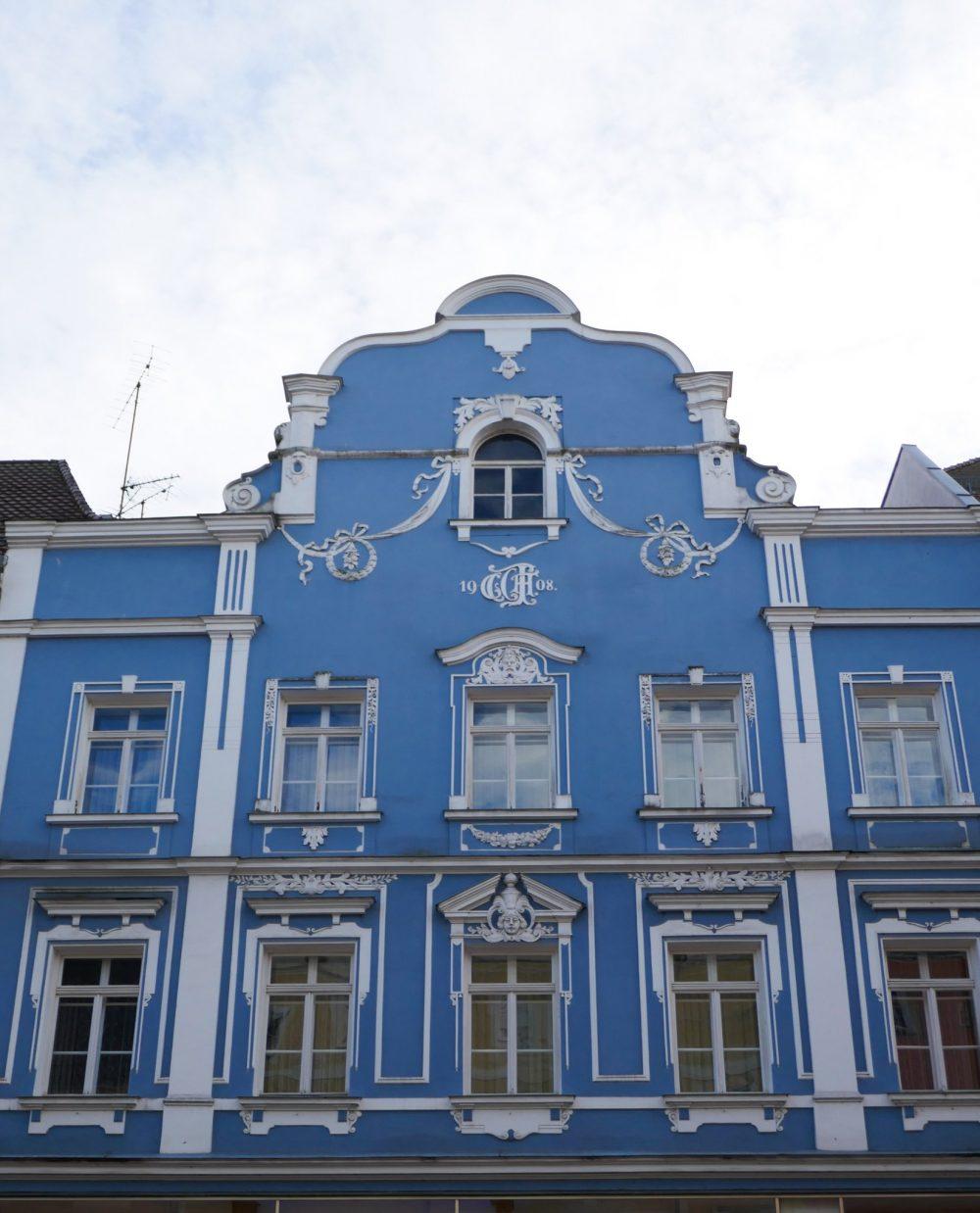 blue house in prague features art nouveau features