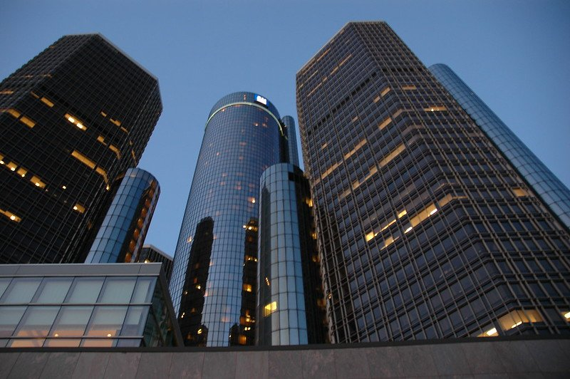 The Detroit Renaissance Center, or Ren Cen, dominates the city skyline. Including it as part of a walk on the Detroit River is one of our favorite fun things to do in Detroit.